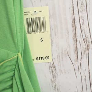 Max Edition Dresses - NWT Max Edition Kelly green v neck dress
